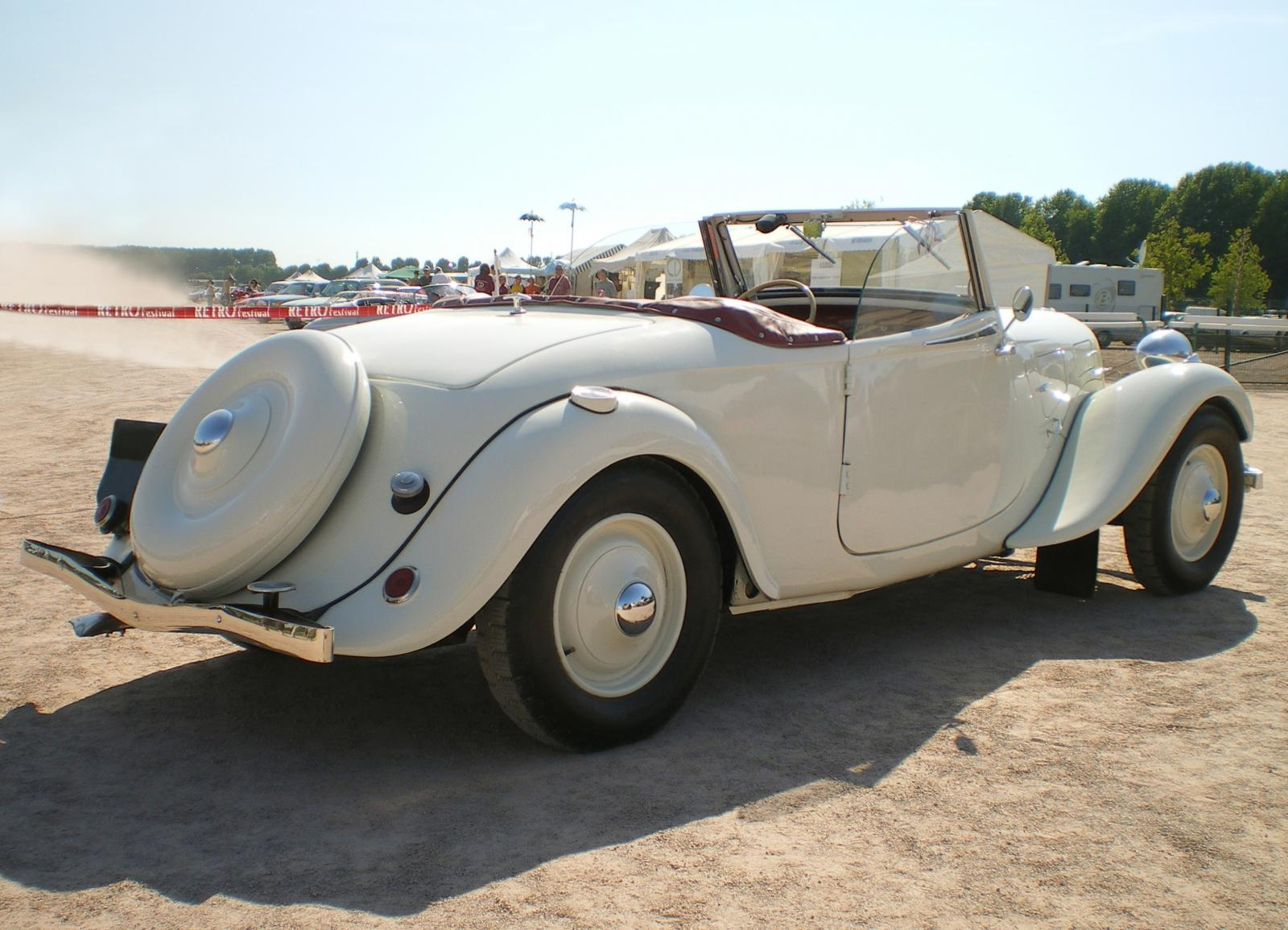 Traction cabriolet blanc